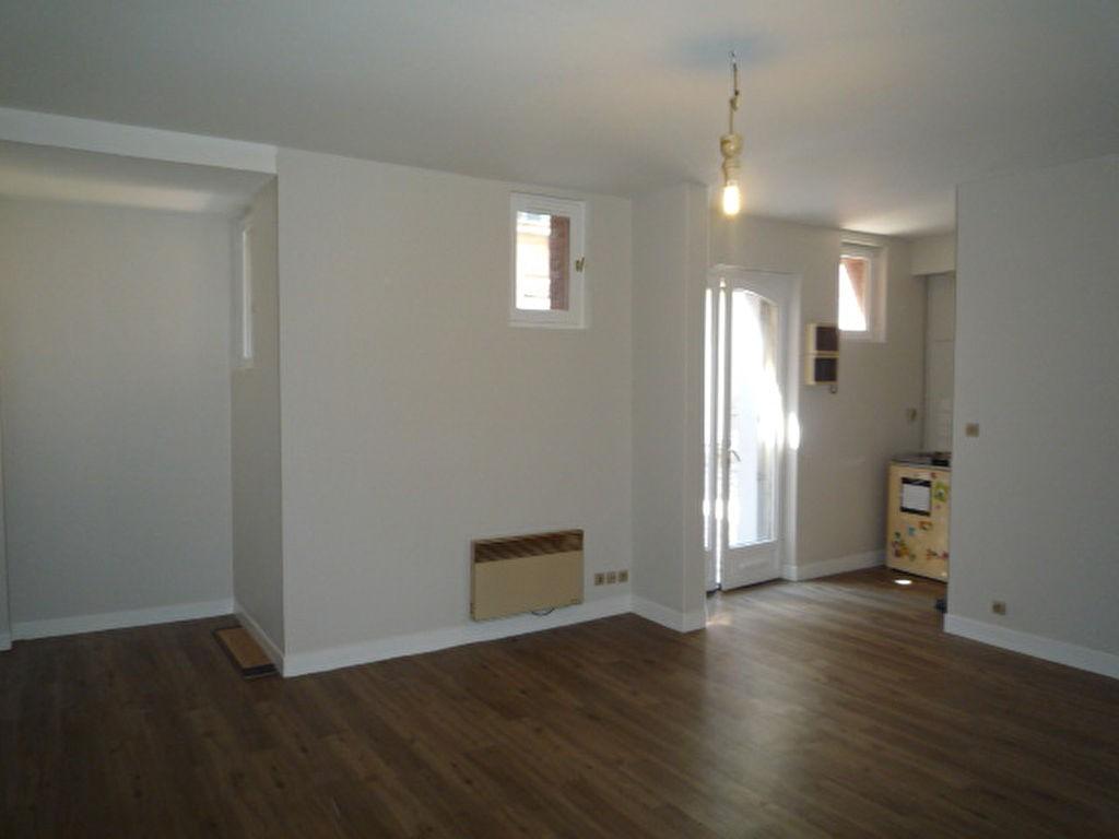 Location appartement 1 pi ce rouen 29m2 364 r f for Location appartement meuble rouen
